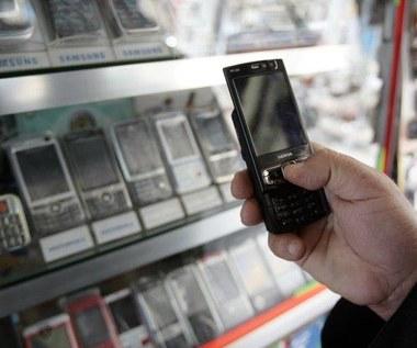 Połowa sprzedanych komórek w 2011 roku to smartfony
