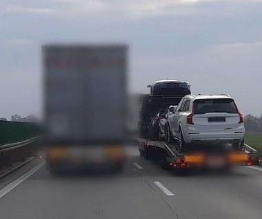 Polowanie na ciężarówki wyprzedzające na autostradzie