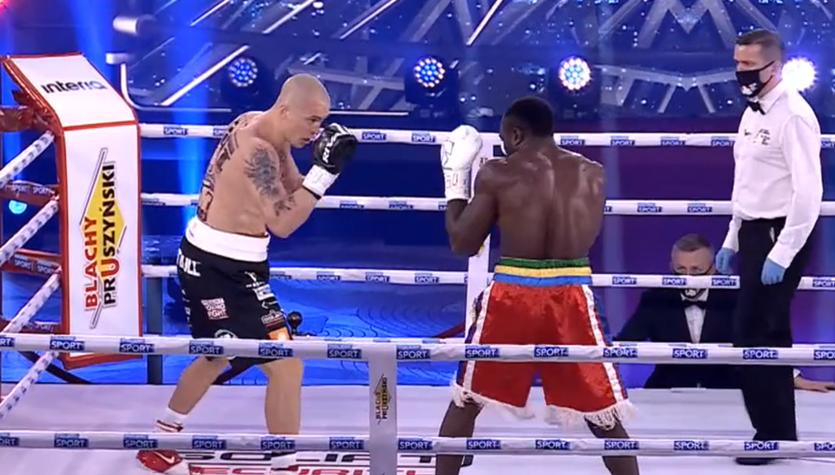 Polsat Boxing Night 9. Michał Cieślak w walce wieczoru pokonał przed czasem Taylora Mabikę