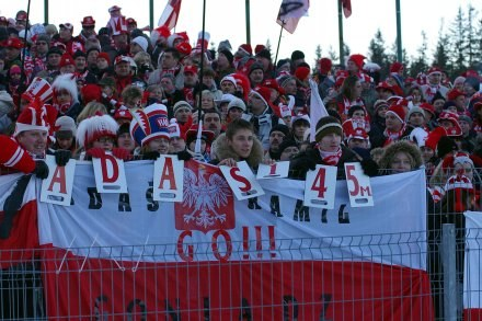 Polscy kibice liczą na świetny występ Adama Małysza /INTERIA.PL