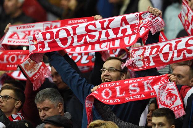 Polscy kibice na trybunach w Warszawie /Piotr Nowak /PAP