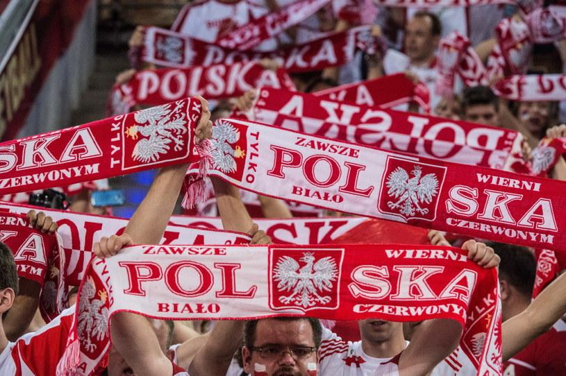 Polscy kibice podczas mistrzostw świata siatkarzy /Grzegorz Michałowski /PAP