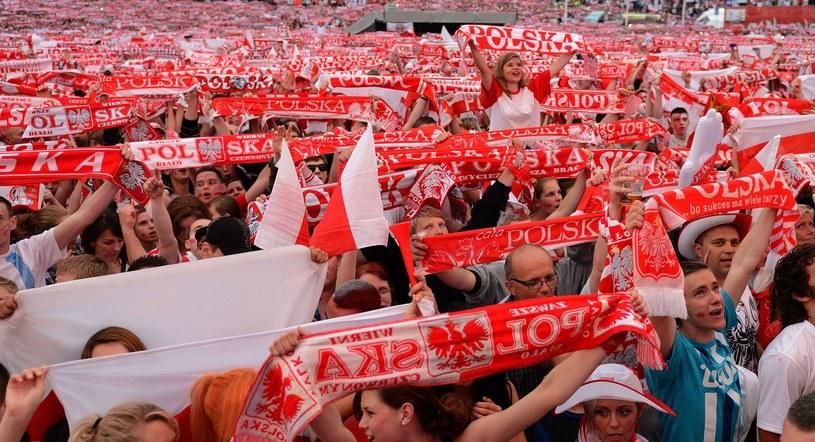 Polscy kibice potrafią wspierać naszą kadrę bez Klubu Kibica. /AFP