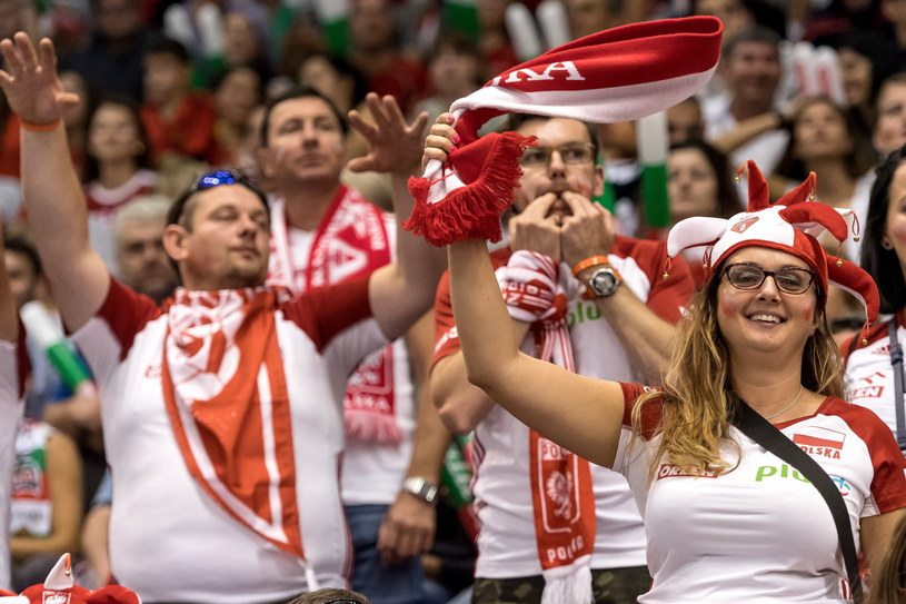 Polscy kibice w Warnie /PAP/Maciej Kulczyński  /PAP