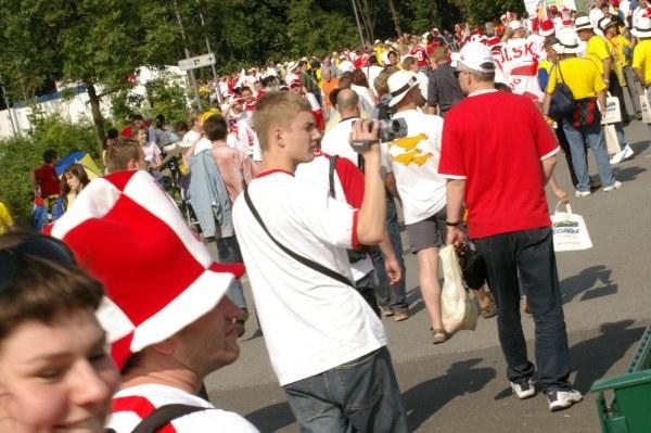 Polscy kibice zalewają Gelsenkirchen /INTERIA.PL