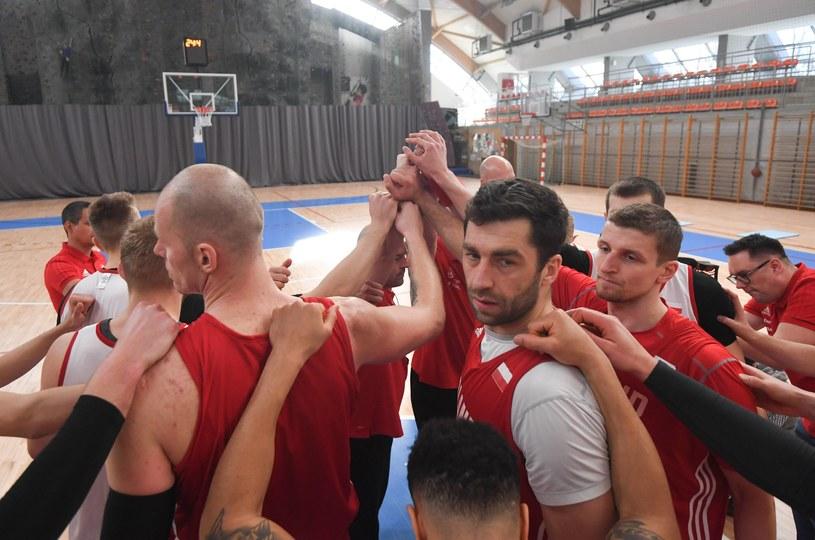 Polscy koszykarze na treningu przed decydującymi meczami /Bartłomej Zborowski /Newspix