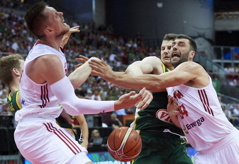 Polscy koszykarze w meczu z Litwą w Gdańsku / Adam Warżawa    /PAP