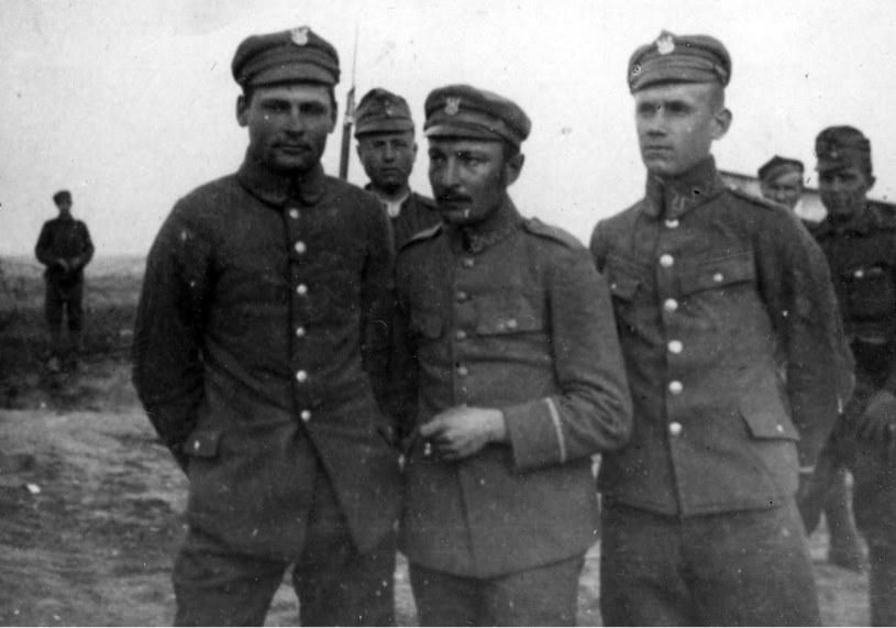 Polscy legioniści internowani na Węgrzech po bitwie pod Rarańczą (1918) /Z archiwum Narodowego Archiwum Cyfrowego