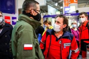Polscy medycy już w Wielkiej Brytanii. Będą robić testy kierowcom na granicy brytyjskiej