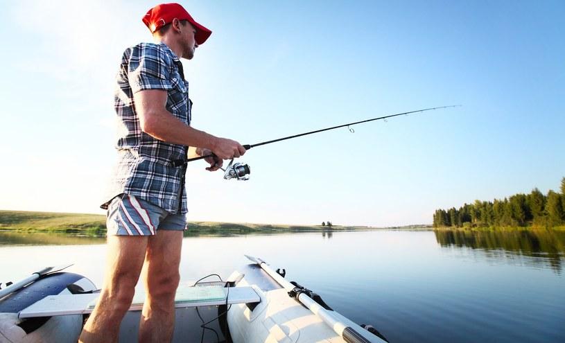 Polscy mężczyźni cenią sobie wygodę, nie tylko na wakacjach /123RF/PICSEL
