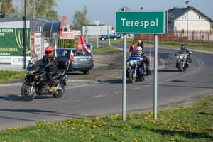"""Polscy motocykliści wyruszyli w trasę """"Nocnych Wilków"""""""