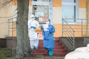 """Polscy naukowcy wyizolowali koronawirusa z próbki """"pacjenta zero"""""""