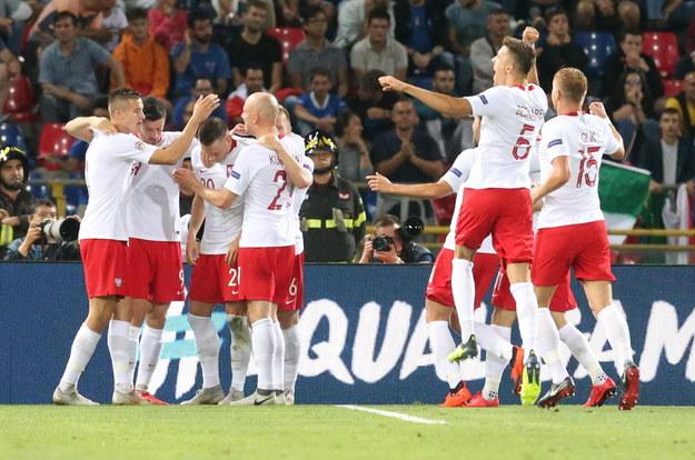 Polscy piłkarze cieszący się z bramki /GIORGIO BENVENUTI /PAP/EPA