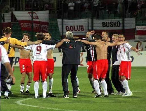 Polscy piłkarze mieli realne powody do radości. Awans do MŚ to duży sukces /INTERIA.PL