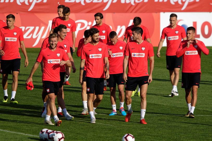 Polscy piłkarze na treningu przed meczem z Irlandią /Jan Karwowski /PAP