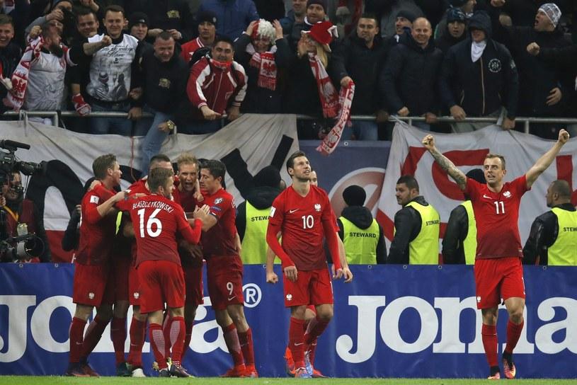 Polscy piłkarze odnieśli efektowne zwycięstwo /PAP/EPA