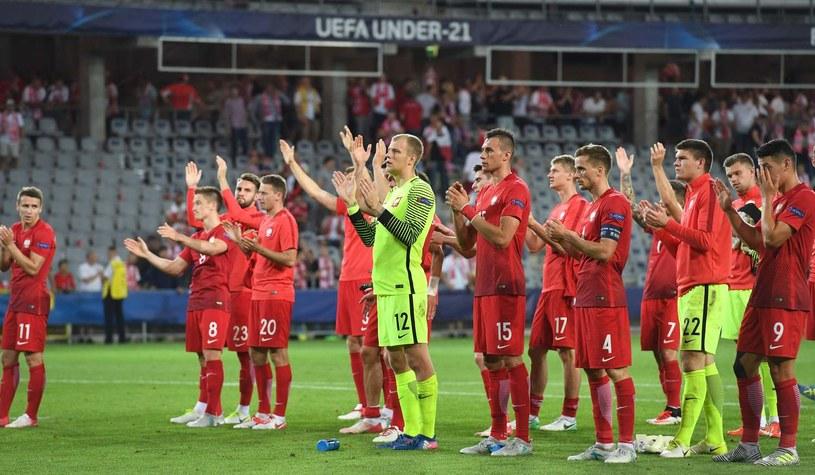 Polscy piłkarze po swoim ostatnim meczu na Euro U-21 /AFP