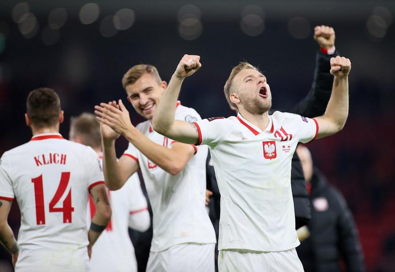Polscy piłkarze po wygranej z Albanią w Tiranie / Leszek Szymański    /PAP