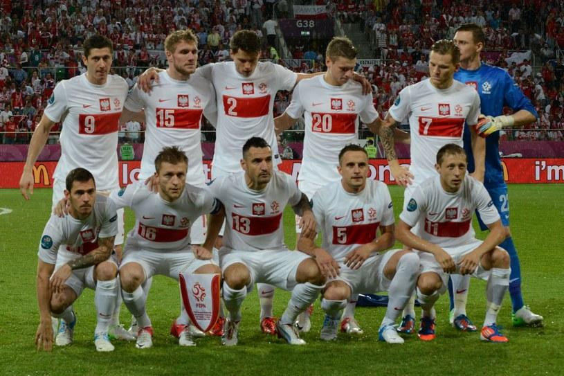 Polscy piłkarze przed meczem Euro 2012 z Czechami /AFP