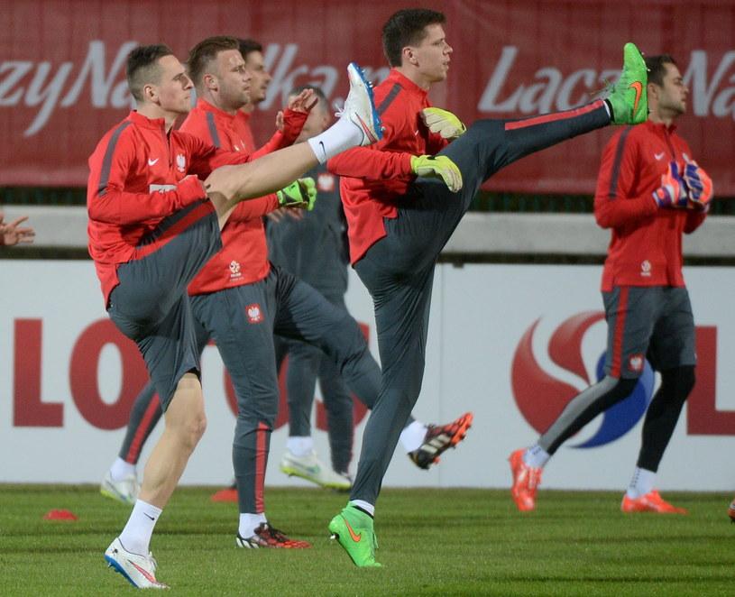 Polscy piłkarze przygotowują się do meczu z Irlandia /Fot. Bartłomiej Zborowski /PAP