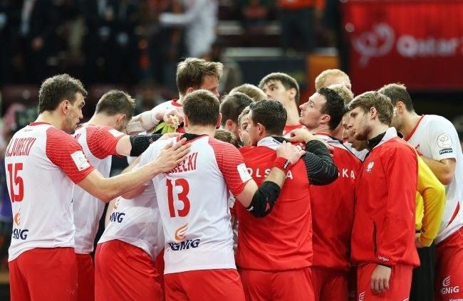 Polscy piłkarze ręczni mieli wielkie pretensje do sędziów po meczu z Katarem /PAP/EPA