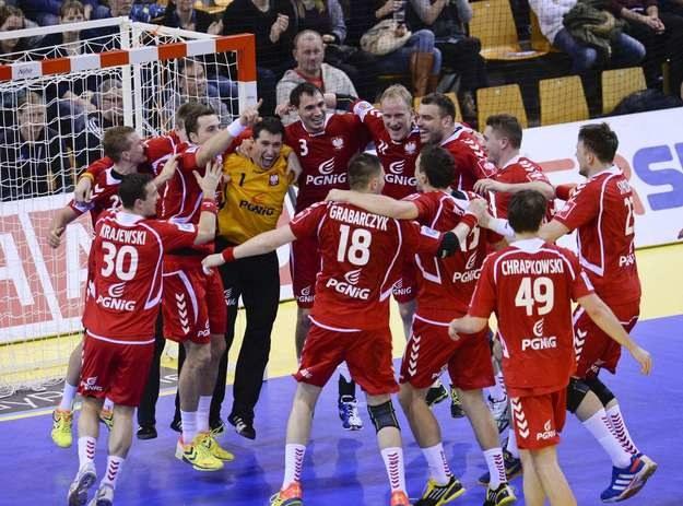 Polscy piłkarze ręczni /AFP