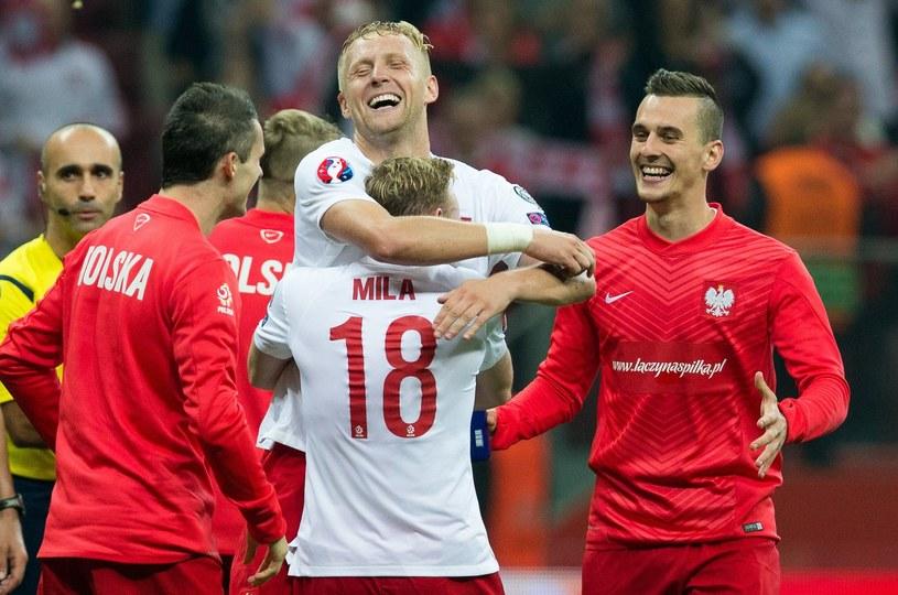 Polscy piłkarze szaleją ze szczęścia po pokonaniu Niemców /AFP