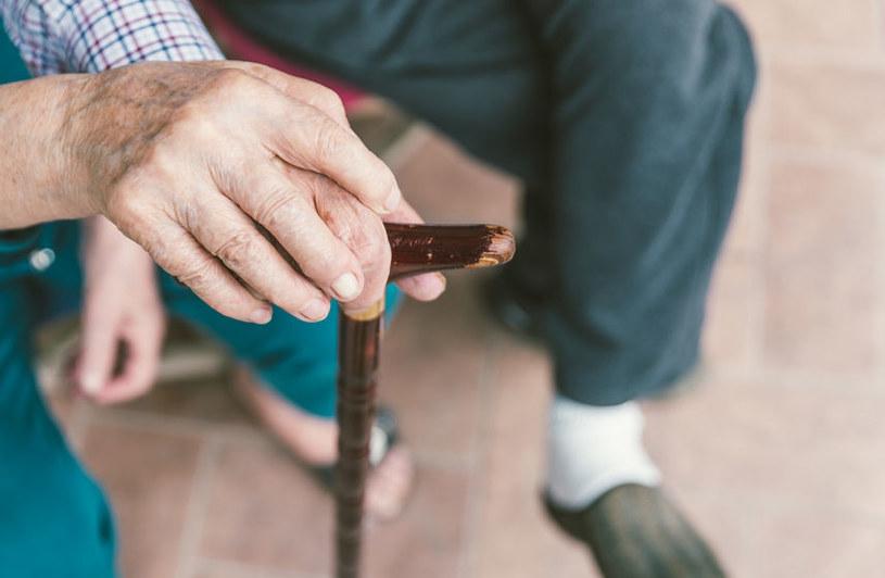 Polscy seniorzy nie należą do majętnych /123RF/PICSEL