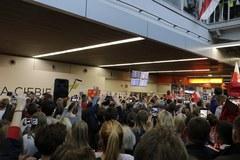 Polscy siatkarze już w kraju! Na lotnisku powitały ich tłumy kibiców