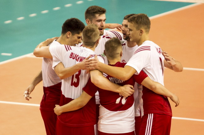 Polscy siatkarze na turnieju w Wałbrzychu /Aleksander Koźmiński /PAP