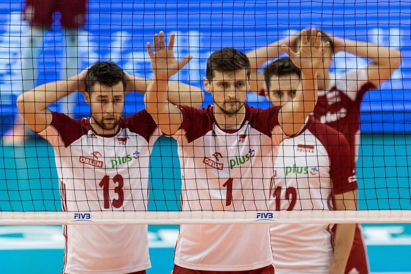 Polscy siatkarze - od lewej: Michał Kubiak, Piotr Nowakowski i Grzegorz Łomacz / Maciej Kulczyński    /PAP