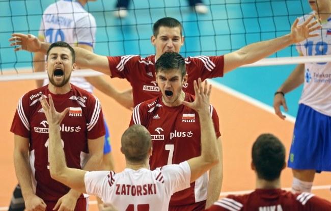 Polscy siatkarze podczas grupowego meczu ze Słowenią /PAP/EPA