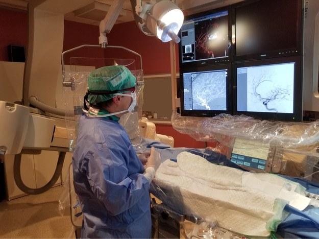 Polscy specjaliści przeprowadzili nowatorski zabieg leczenia guza mózgu!