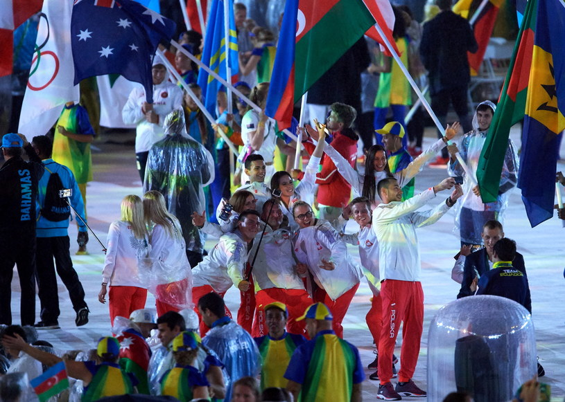 Polscy sportowcy na zakończeniu igrzysk /Adam Warżawa /PAP