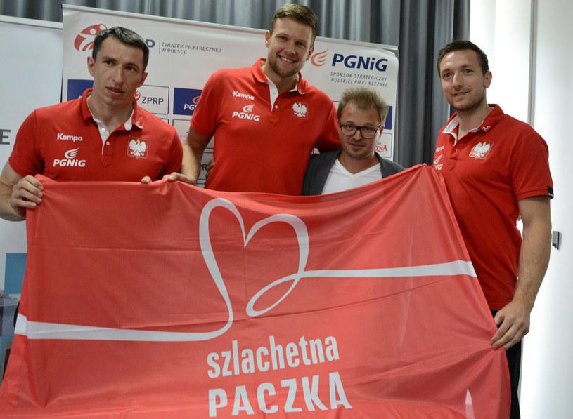 Polscy szczypiorniści wspierają Szlachetną Paczkę /
