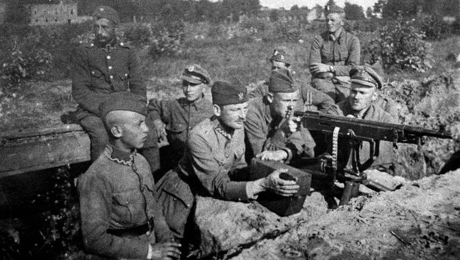 Polscy żołnierze pod Radzyminem /archiwum /PAP