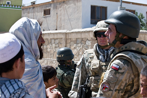 Polscy żołnierze w Afganistanie /fot. Adam Roik, Combat Camera DO SZ /