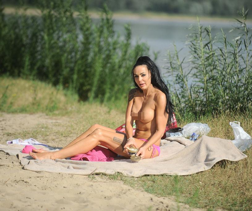 """Polska Angelina"" Agnieszka Orzechowska topless /Marcin Wziontek /East News"