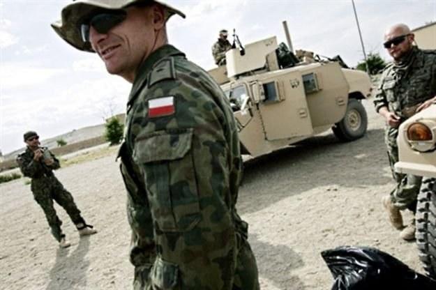 Polska armia coraz lepiej zdaje sobie sprawę ze znaczenia wojny informatycznej /AFP