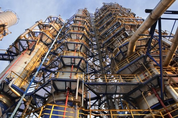 Polska chce sprzedać rafinerie Rosjanom? /Internet