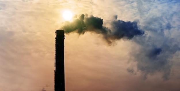 Polska energetyka musi zredukować emisję CO2 /©123RF/PICSEL