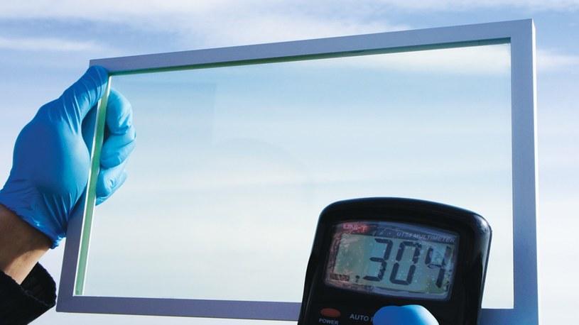 Polska firma stworzyła innowacyjne i wydajne solarne szyby do samochodów i domów /Geekweek