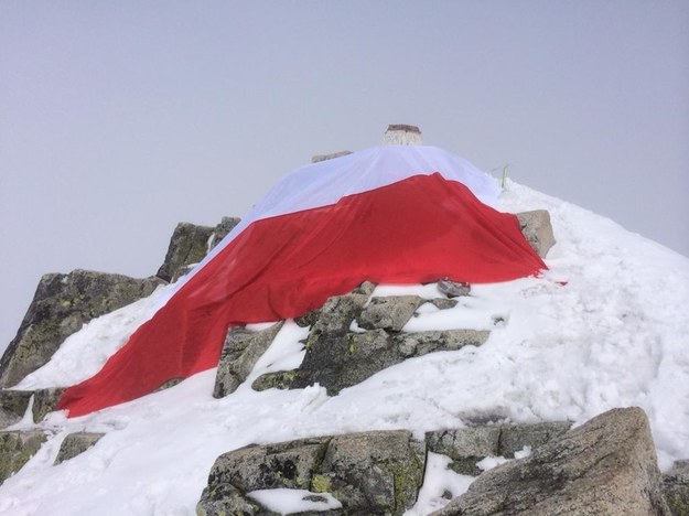Polska flaga na Rysach /RMF FM