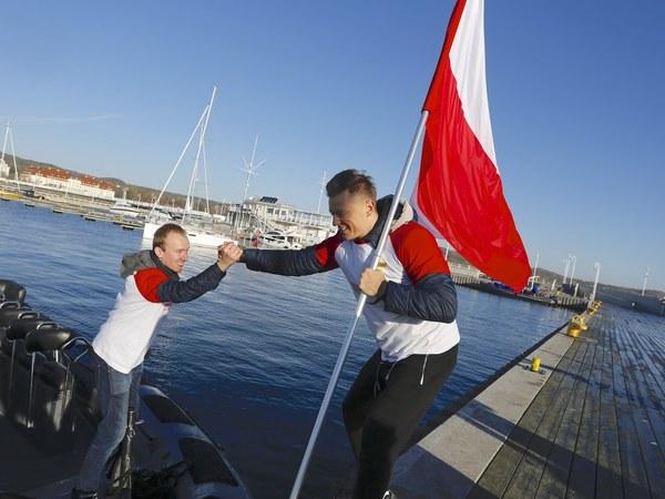 Polska flaga z Helu trafiła na Giewont!