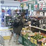 Polska gwiazda na zakupach w dyskoncie!