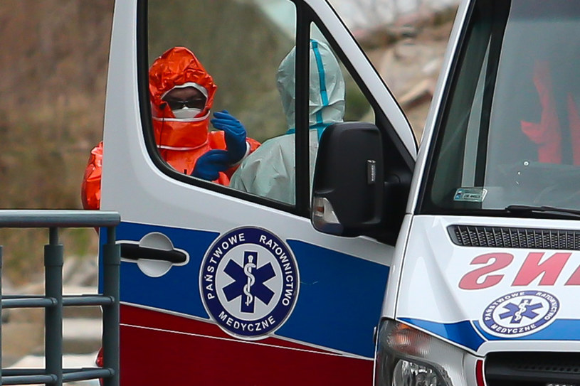 Polska i świat zmagają się z pandemią koronawirusa /Pawe /East News