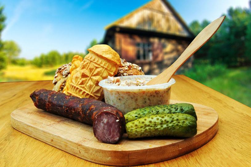 Polska kuchnia ma wiele do zaoferowania. Wszystkie regiony obfitują w charakterystyczne potrawy, po które chętnie sięgają odwiedzający je turyści /123RF/PICSEL