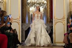 Polska moda triumfuje na paryskich pokazach haute-couture
