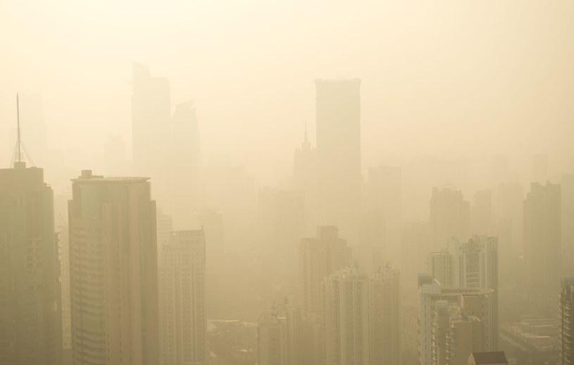 Polska na razie na walkę ze smogiem w ramach programu Czyste Powietrze wydaje własne pieniądze. /123RF/PICSEL