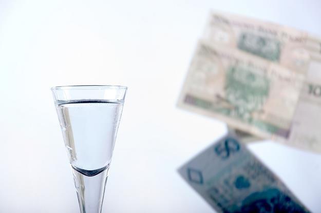 Polska popiera unijne propozycje i chce wprowadzenia minimalnej ceny alkoholu /©123RF/PICSEL